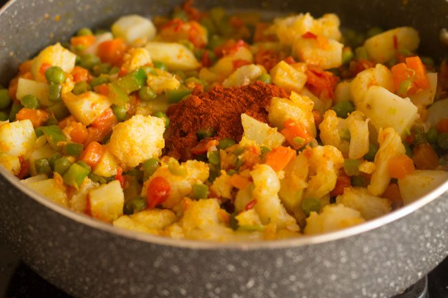 making kada pav bhaji recipe