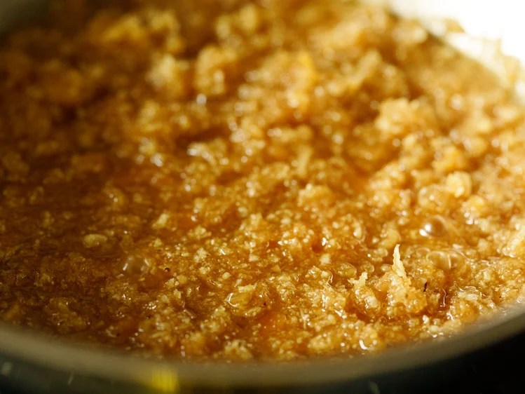 jaggery melting and releasing moisture