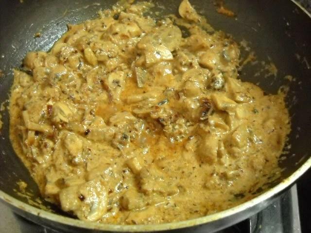 cooking the mushroom gravy