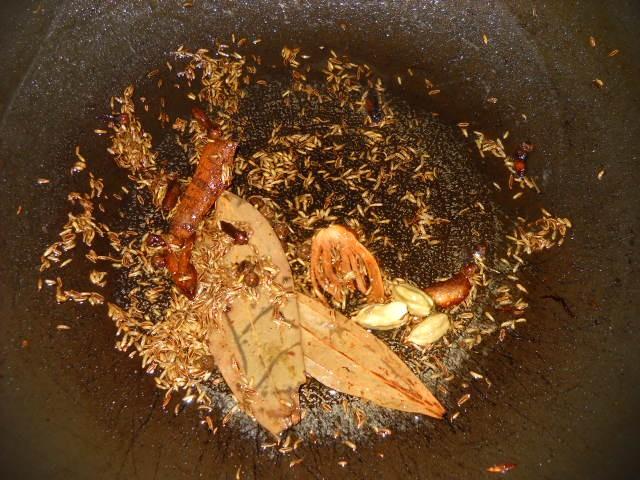 whole garam masala for mushroom biryani