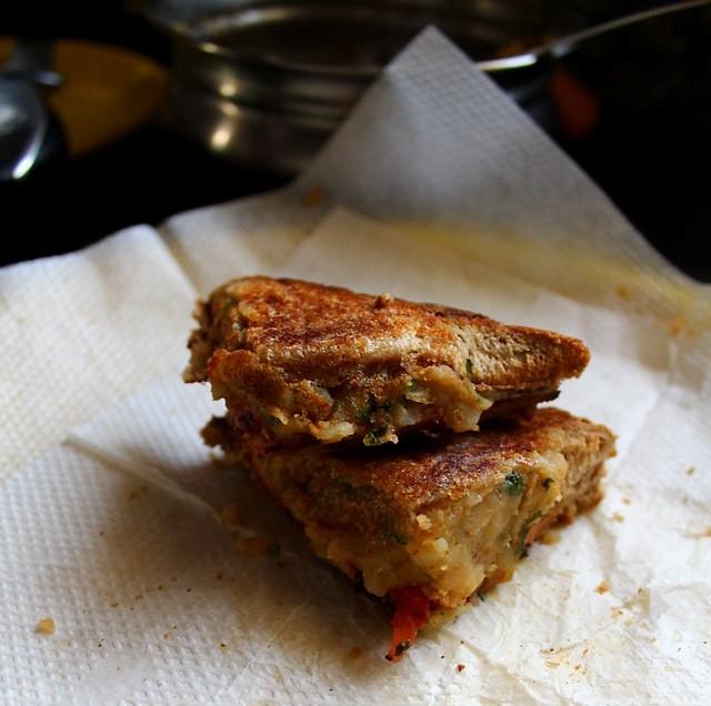 chaat style aloo sandwich