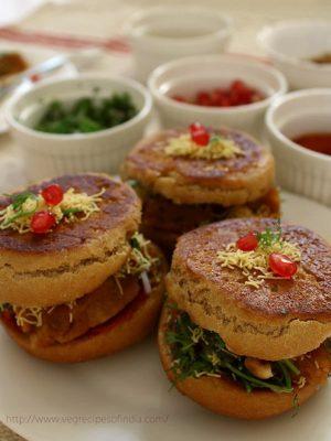 dabeli recipe, kutchi dabeli recipe, how to make dabeli recipe