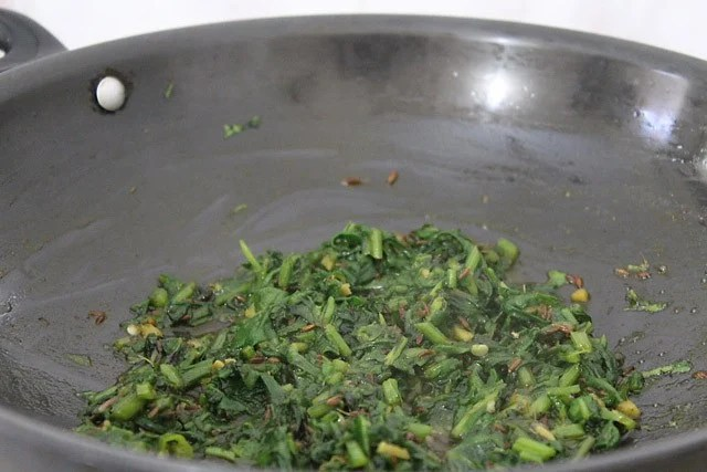 soften palak for dal palak recipe