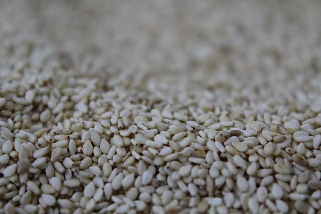 roasted-sesame-seeds