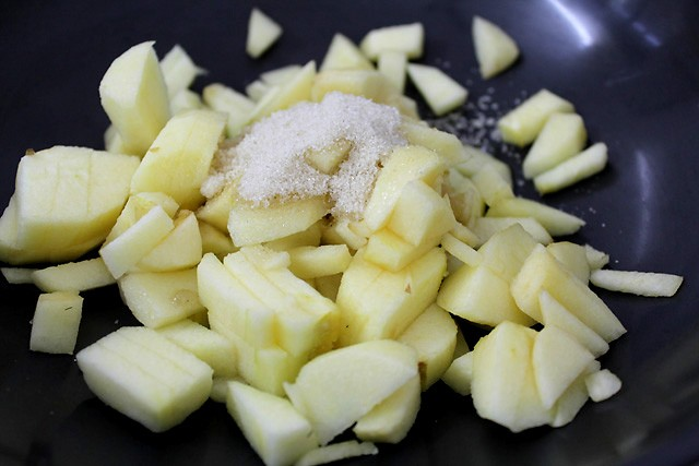 filling for prepare apple gujiya recipe