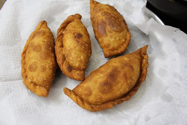 apple gujiya recipe