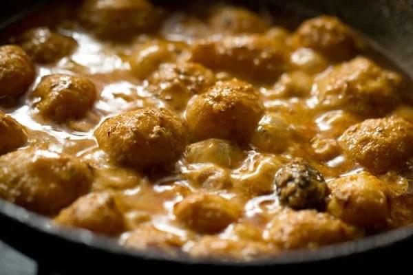 dum aloo recipe, Kashmiri dum aloo recipe