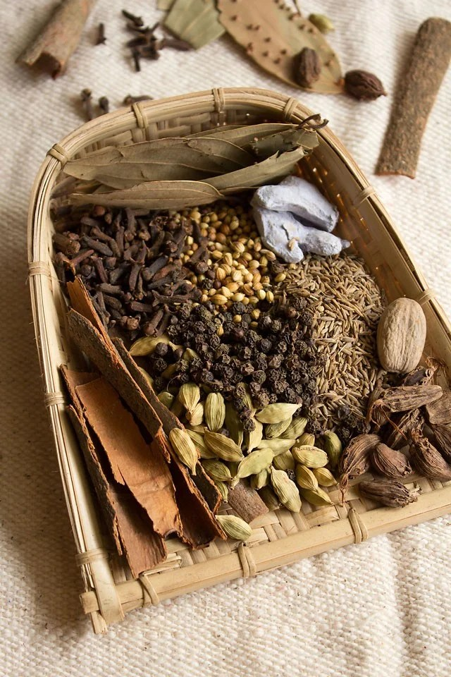 spices for Punjabi garam masala