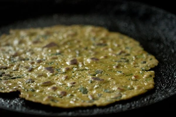 making methi thepla recipe