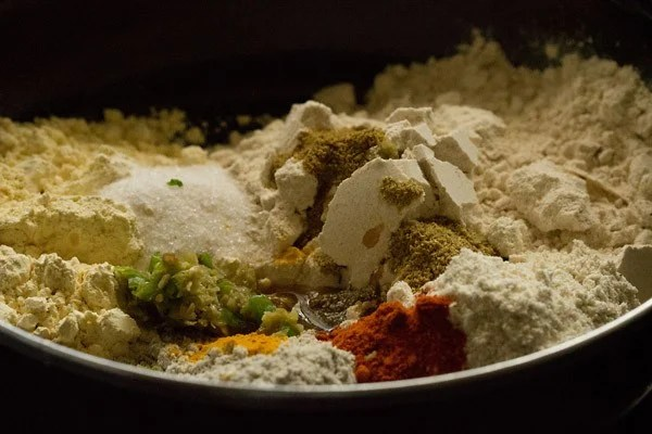 spices and seasonings added to flours