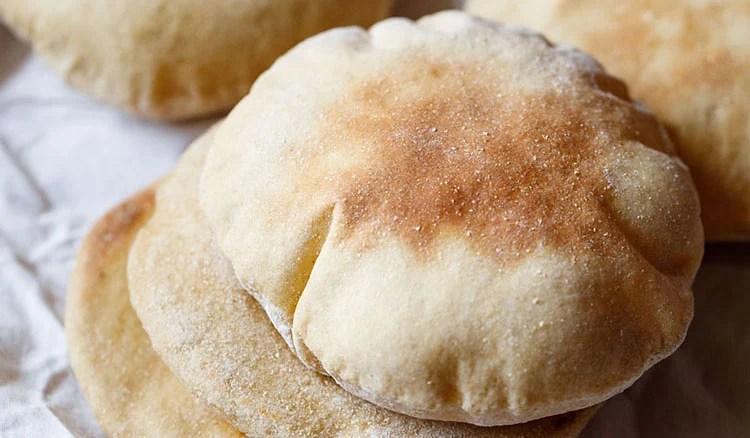 Pão Pita | Pão Pita de Trigo Integral (Método Forno e Fogão)