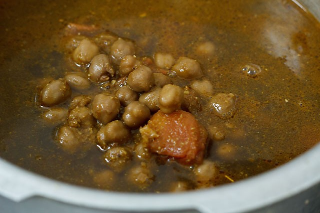cooked chole for amritsari chole recipe