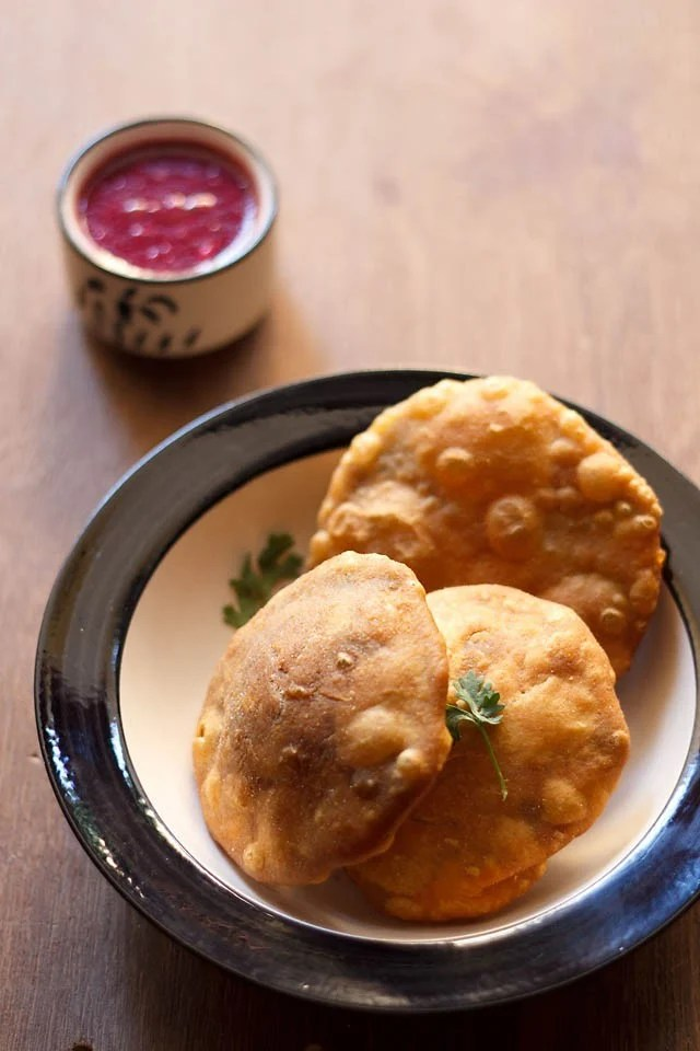 matar kachori recipe, peas kachori recipe, khasta matar kachori