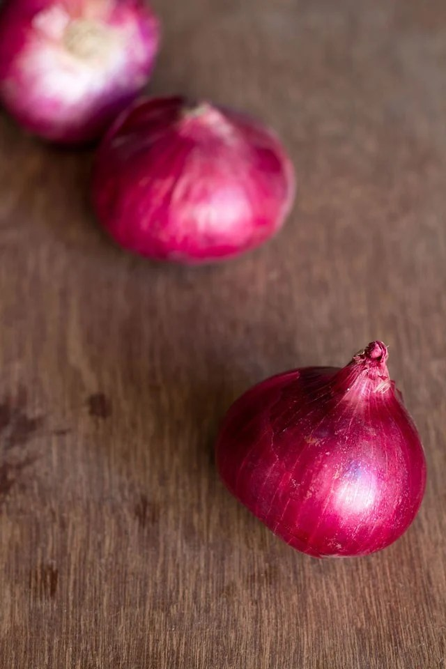onions for onion paratha recipe