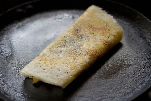 preparing mysore masala dosa recipe