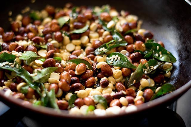 making peanut chutney recipe