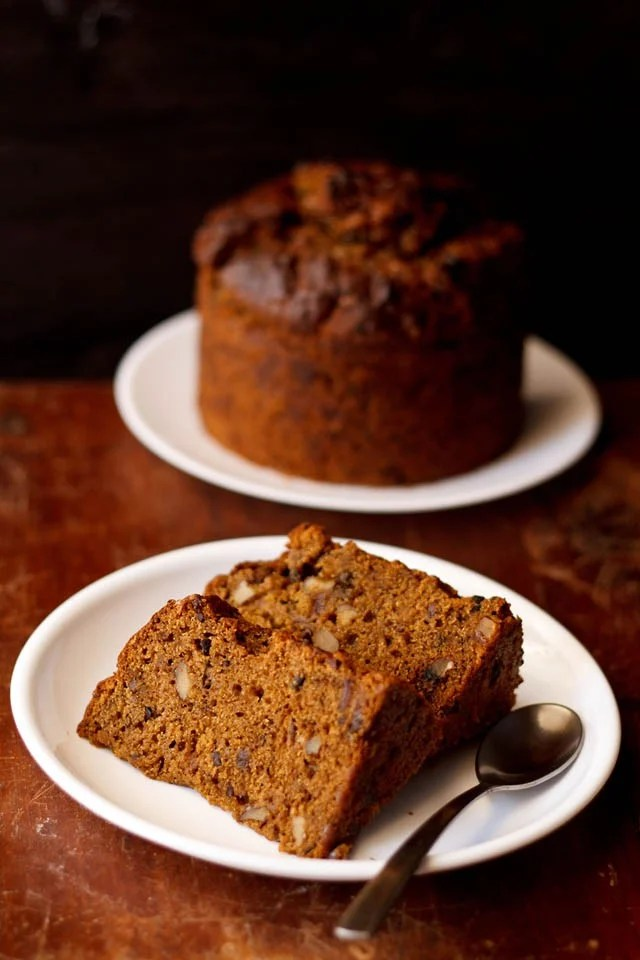 Dry Cake with Dates and Walnuts