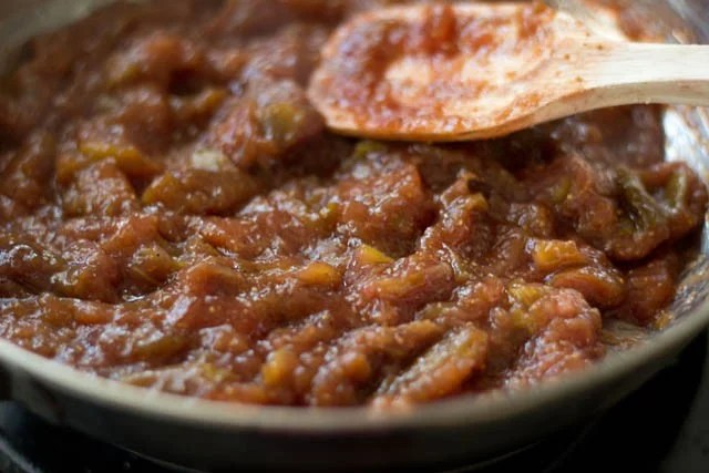 thickened fig jam mixture in a pan