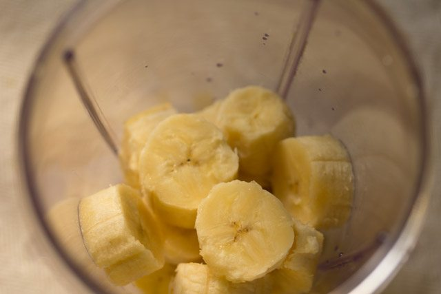 bananas to make banana milkshake recipe