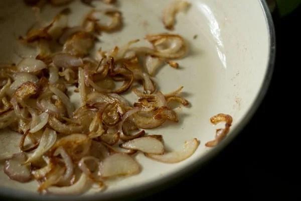 onions for biryani rice recipe