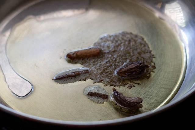 frying spices for al yakhni recipe