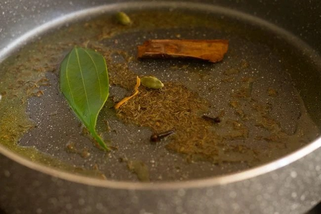 spices for saffron rice