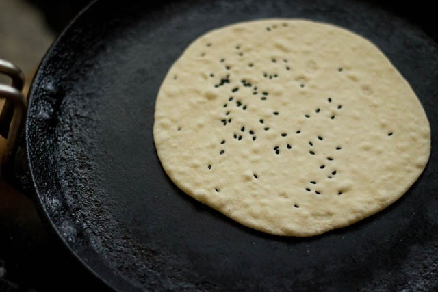 making kulcha recipe on tava