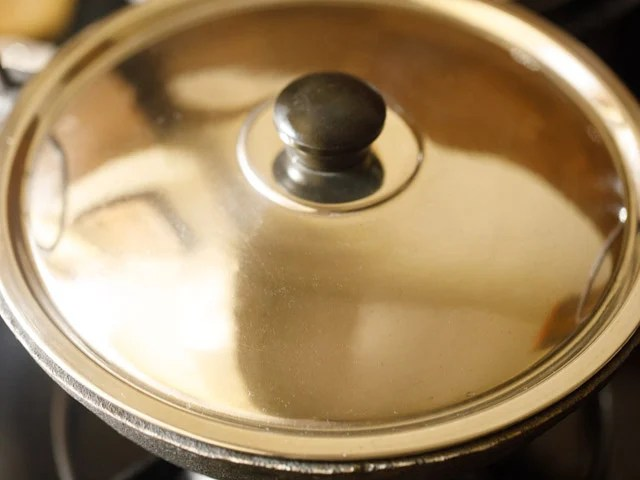 making beetroot poriyal recipe