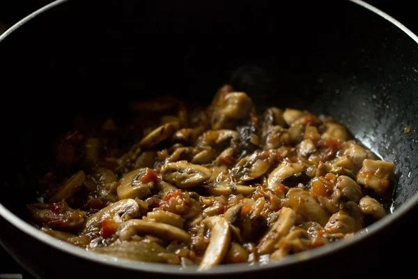 sauteing mushrooms for palak mushroom recipe