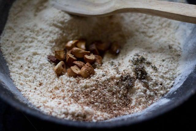 cashews for sabudana ladoo recipe