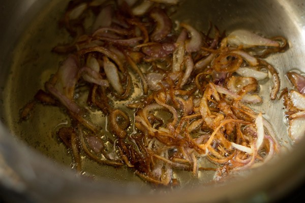 onions for making veg pulao recipe