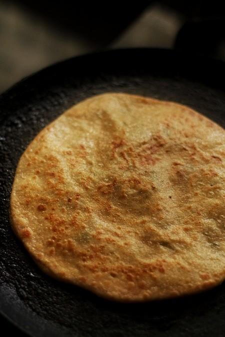 fry aloo paratha