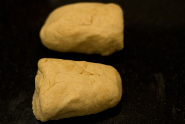 dough for preparing garlic bread rolls recipe