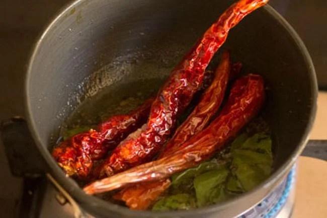tempering the kathirikai sambar