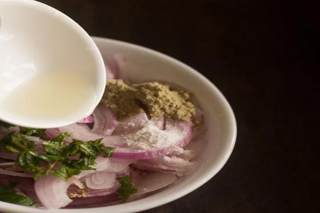 onion lachcha recipe