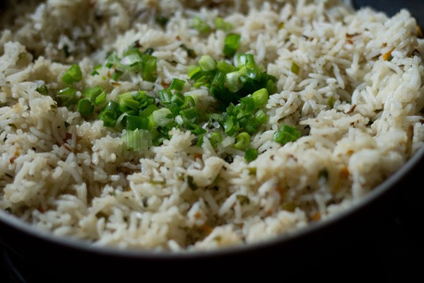 garnishing veg fried rice