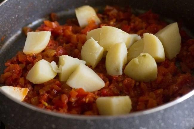 making aloo tamatar sabzi recipe