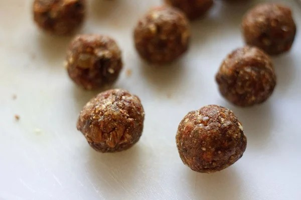 dry fruit ladoo shaped and formed to neat round energy balls
