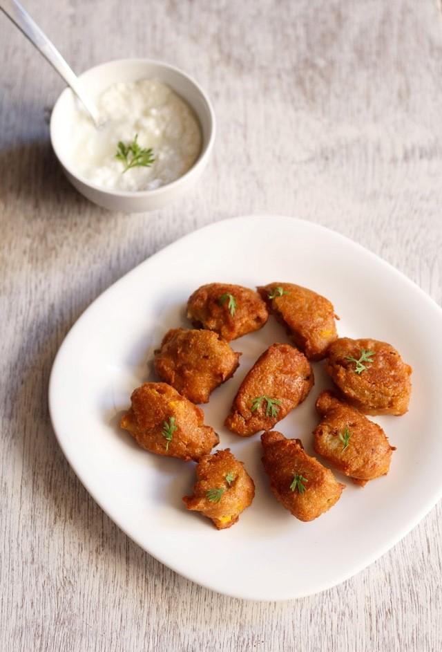 kaddu pakoras or pumpkin fritters