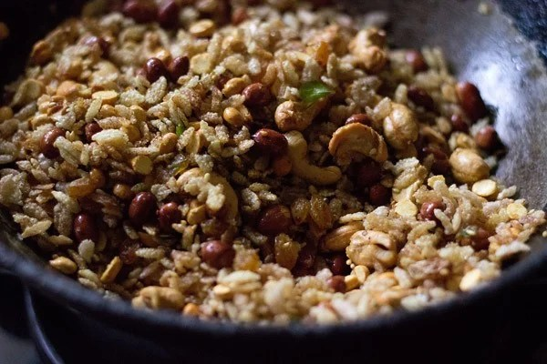 making poha chiwda recipe