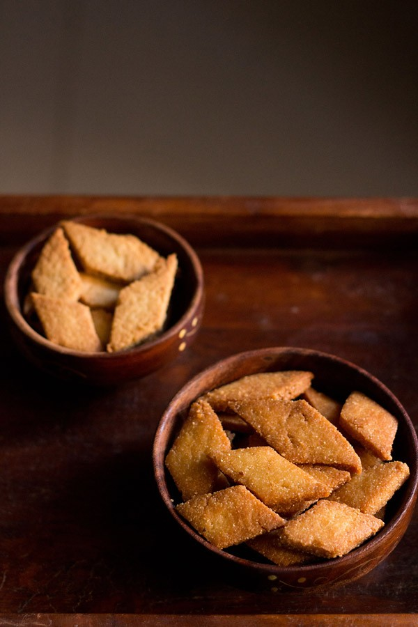 shankarpali recipe, sweet shankarpali