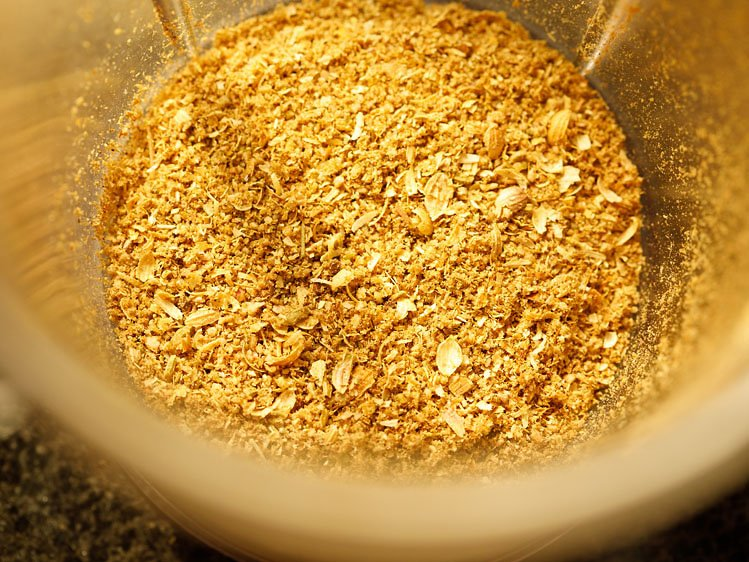 semi-finely ground spices