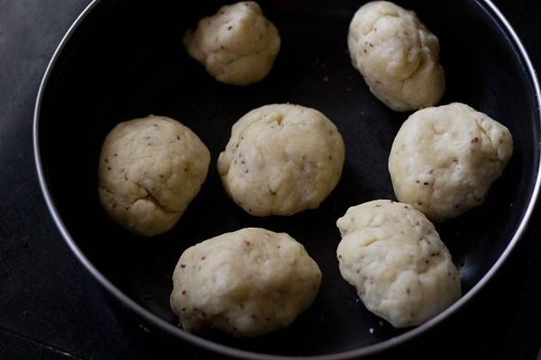 divide samosa dough