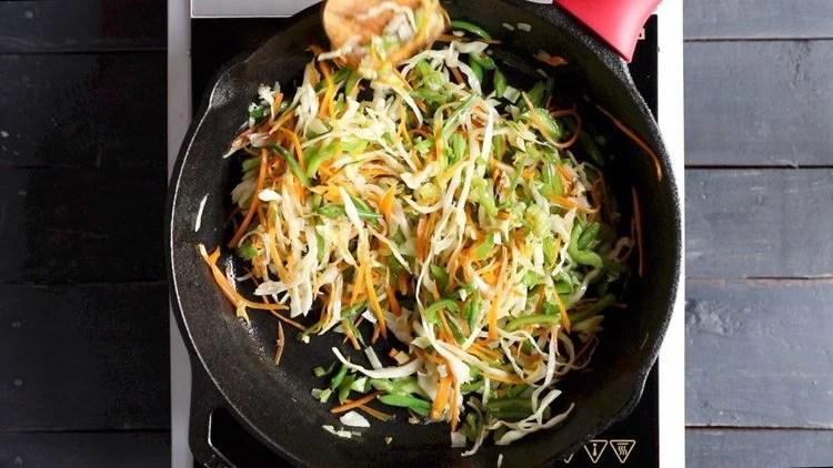 stir frying veg noodles recipe