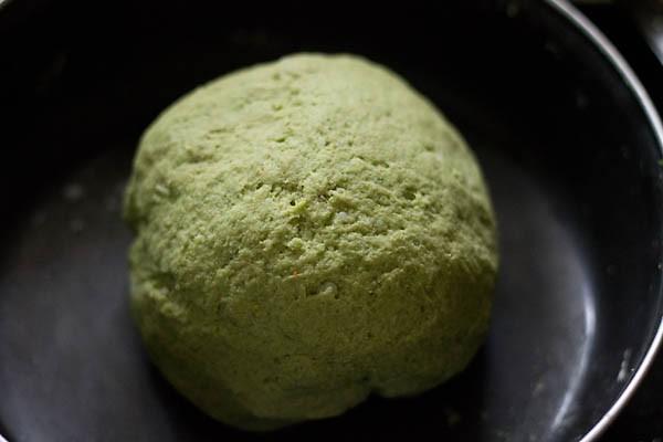 dough for making aloo palak paratha recipe