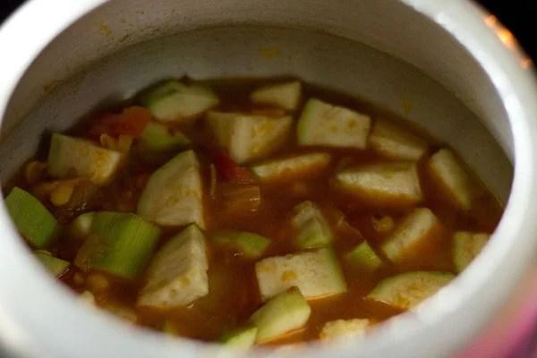 lauki chana dal curry recipe, lauki chana dal sabzi recipe