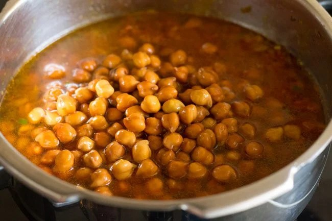 kala chana recipe, black chana masala recipe, kala chana gravy recipe