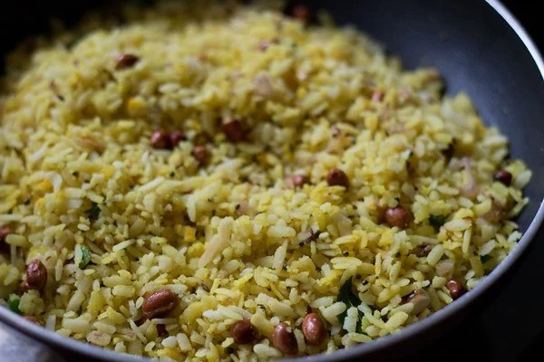 poha mixed evenly