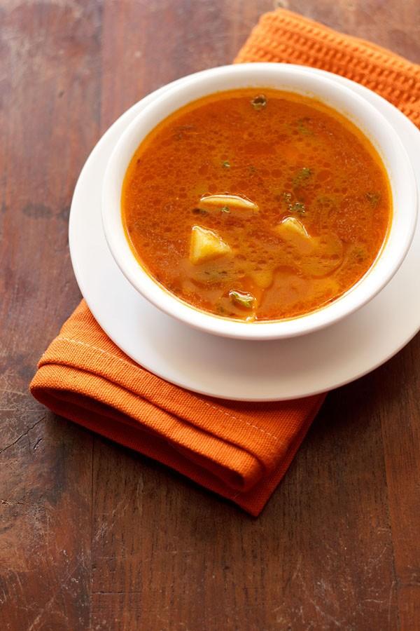 aloo cHoliya curry recipe, aloo hara chana recipe