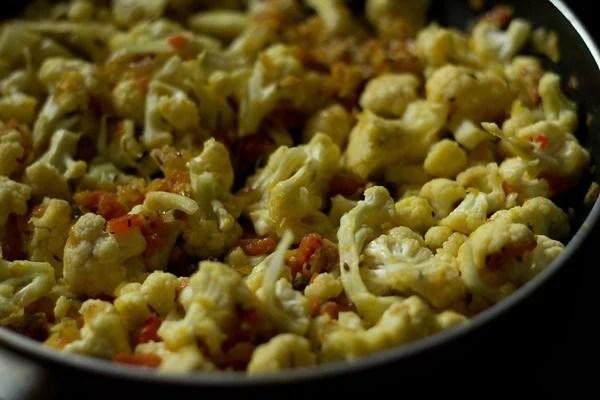 stir - gobi matar masala recipe